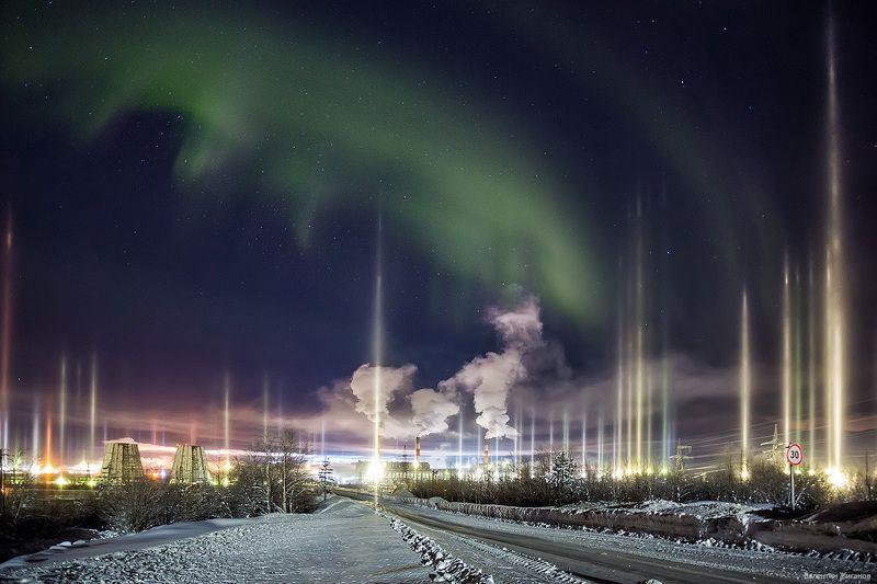 мурманская область, апатиты, мороз, снег, сияние Световые столбы и мороз -30photo preview