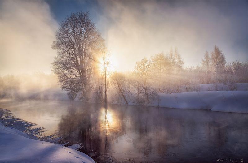 истра, мороз, рассвет, лучи В огне морозного утра.photo preview