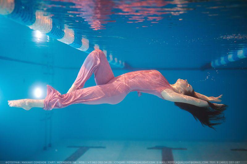 михаилсеменов, аквалайт, подводное, девушка, плывет, мокрая, вводе Невесомостьphoto preview