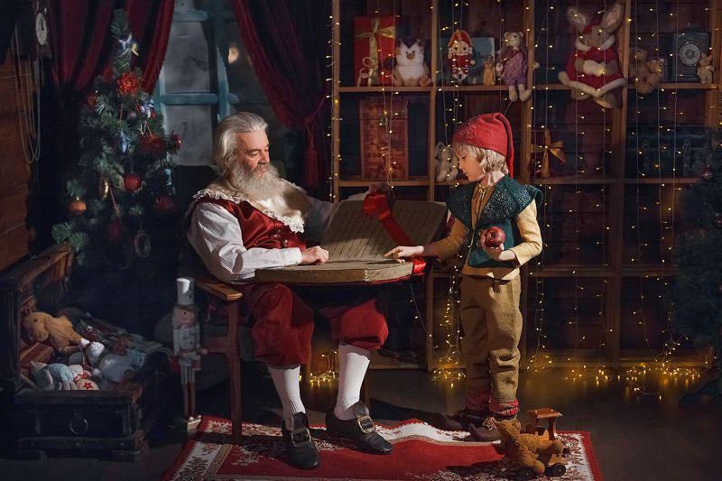санта санта клаус дед мороз новый год christmas Санта и его помощникphoto preview