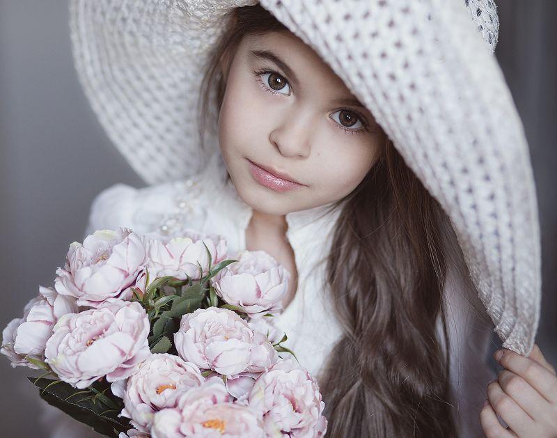 портрет, дети, цветы, portrait, kids, flowers, canon, eyes Лизаphoto preview