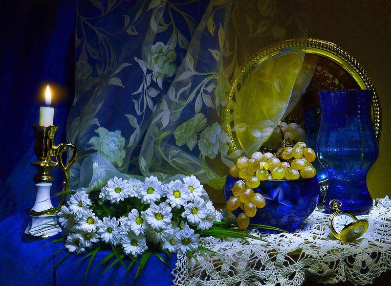 still life,натюрморт,цветы, фото натюрморт, свеча,  подсвечник,отражение, виноград, часы В тающем запахе воска...photo preview