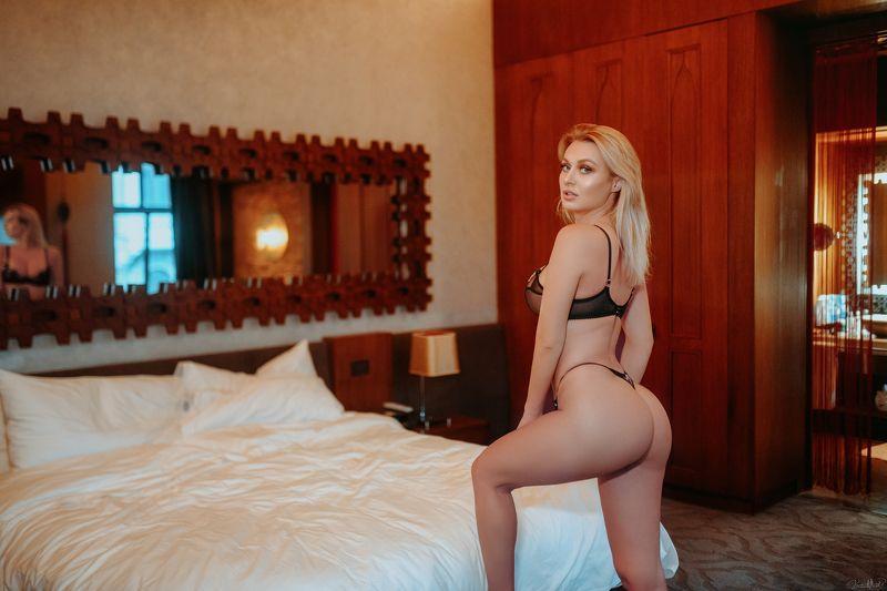 sexy, body, beauty, fashion model, art, light, sweet, colorful, red, yellow, bedroom, female, eyes, model, nikon, 35mm, sigma, istanbul Natalia Starrphoto preview