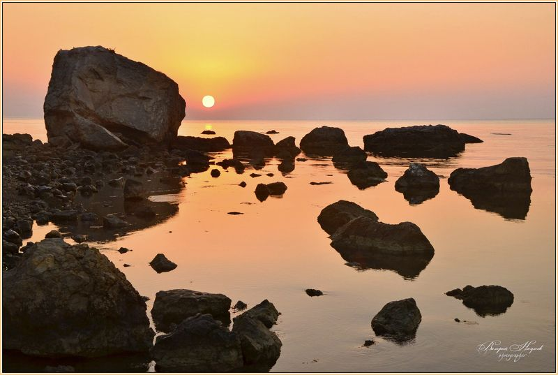 утро, рассвет, море, восход, крым, сентябрь И даже камни утру улыбалисьphoto preview