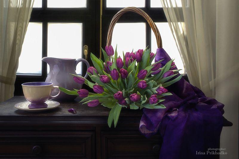 натюрморт, интерьер, весеннее настроение, букет тюльпанов,цветочный натюрморт Весна на кухнеphoto preview