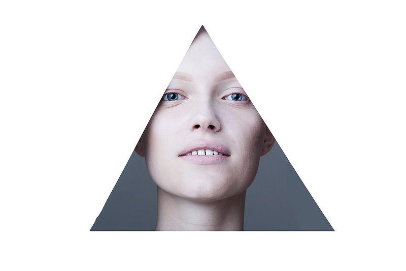 алопеция, треугольник, без волос, волосы, закрытые глаза, инопланетянин, инопланетянка, девушка, красивая, нестандартная красота, необычная Треугольник photo preview