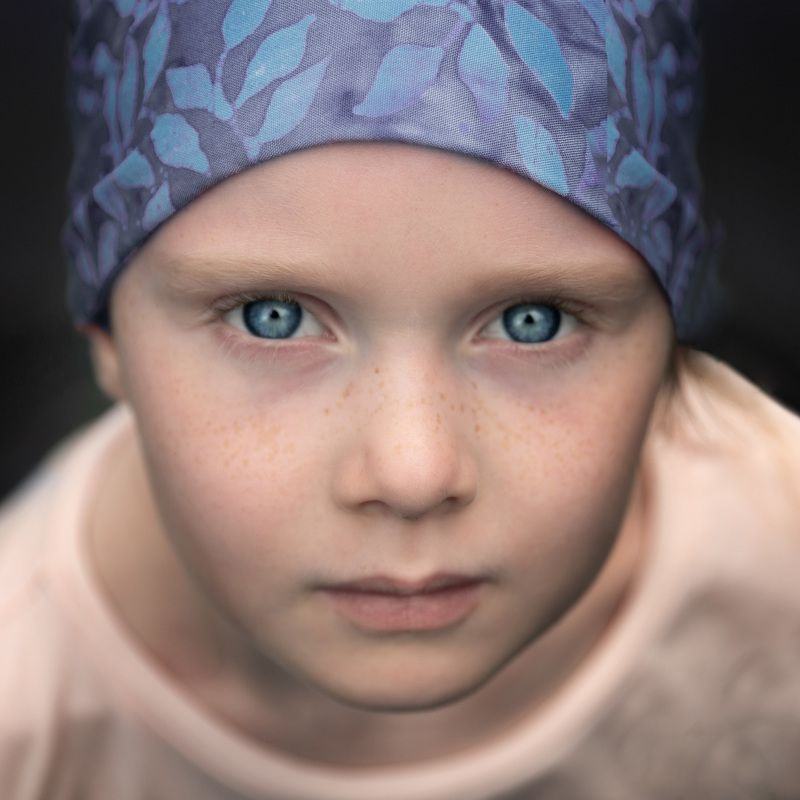 глаза лицо девочка косынка взгляд Sofiaphoto preview