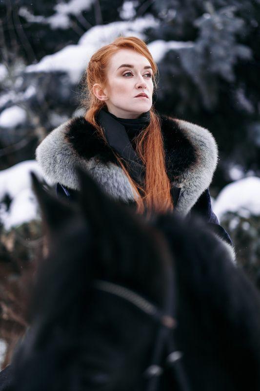 redhead, portrait, snow, winter, horse, fujifilmru, fujifilm, mirrorless, xtrance Annaphoto preview