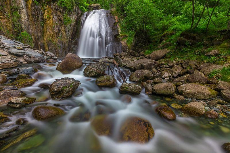 горный алтай, телецкое озеро, алтайский заповедник, водопад, корбу, алтай Полноводный Корбуphoto preview