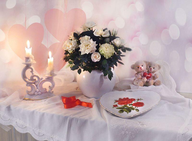 still life,натюрморт,фото атюрморт,праздник, 14 февраля, розы, цветы, свечи, подсвечник, день святого валентина, поздравление \