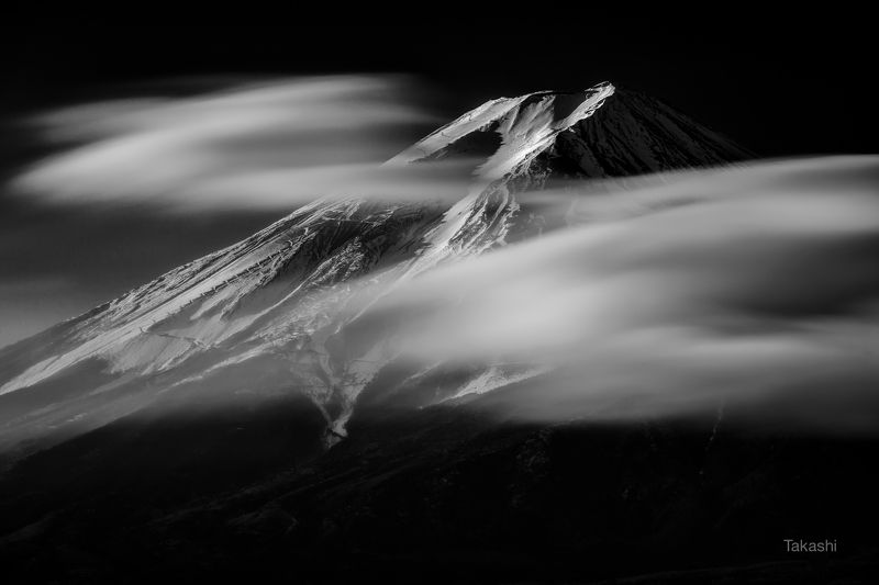 Fuji,Japan,mountain,clouds,winter,January January morningphoto preview