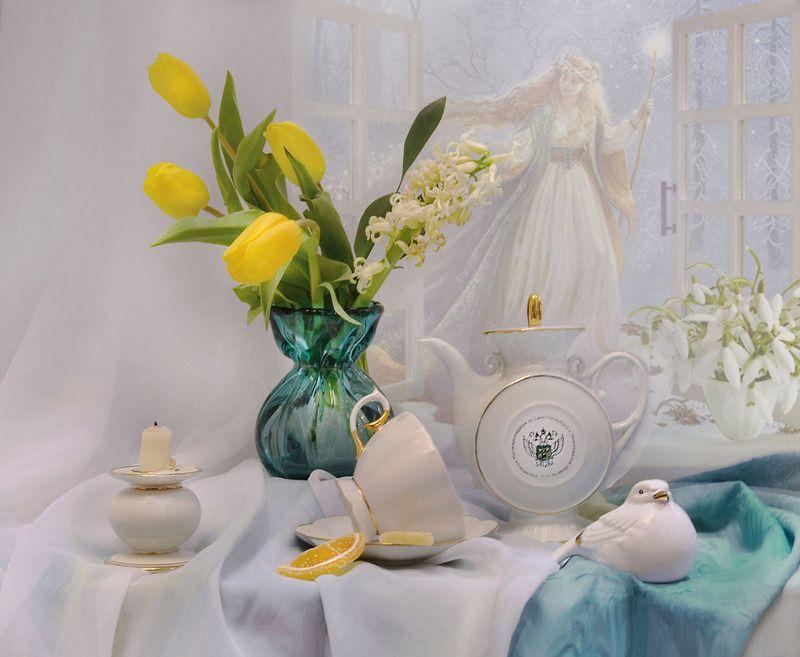 still life,натюрморт,фото натюрморт, цветы, тюльпаны, свеча, подсвечник, фарфор, праздник, сретение господне, весна с зимой встретились Встреча весны...photo preview