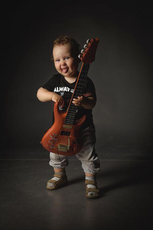рок, ребенок, шутка, гитара, металл, язык, детство, музыка, рокер photo preview