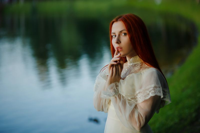 портрет рыжая веснушки девушка Nikaphoto preview