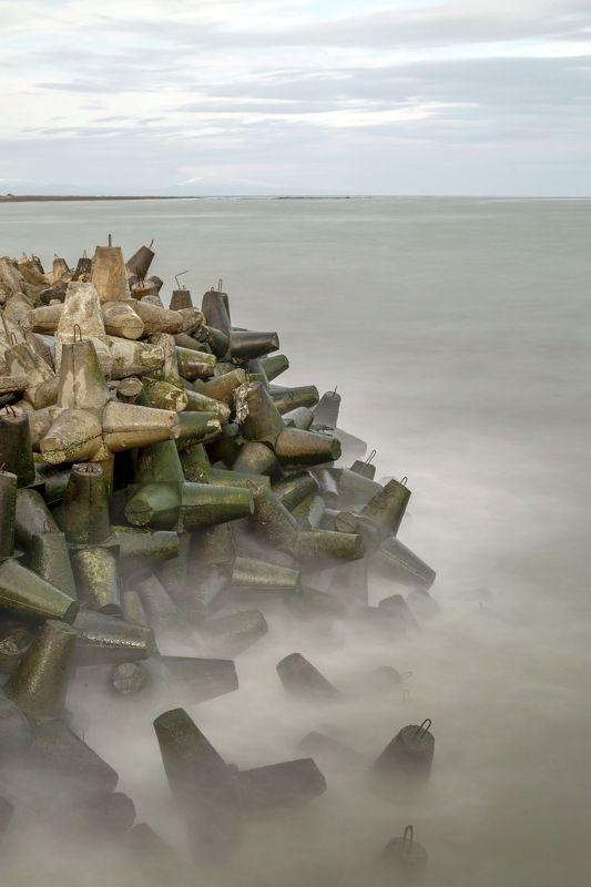 море погода зима побережье Каспий Азербайджан вода скала  песок Каспий зимойphoto preview