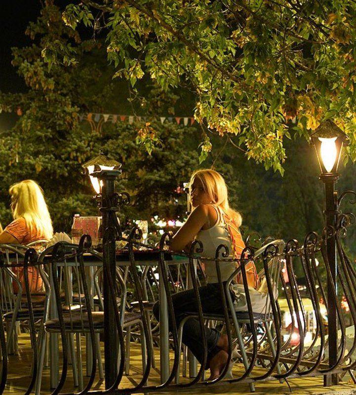 кафе, девушка, лето, ночь летнее кафеphoto preview