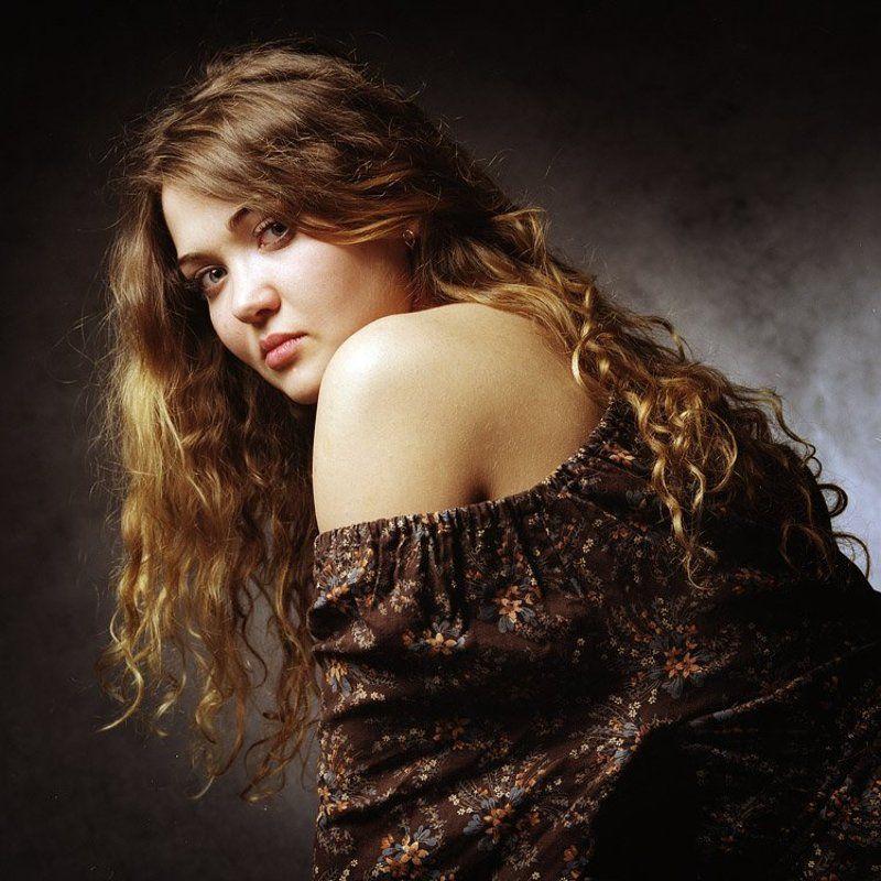 профессиональное фото, студия, девушка, портрет ***photo preview