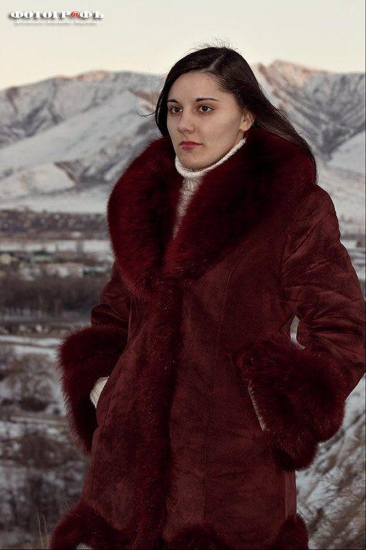 девушка, холм Дальние дали №2photo preview