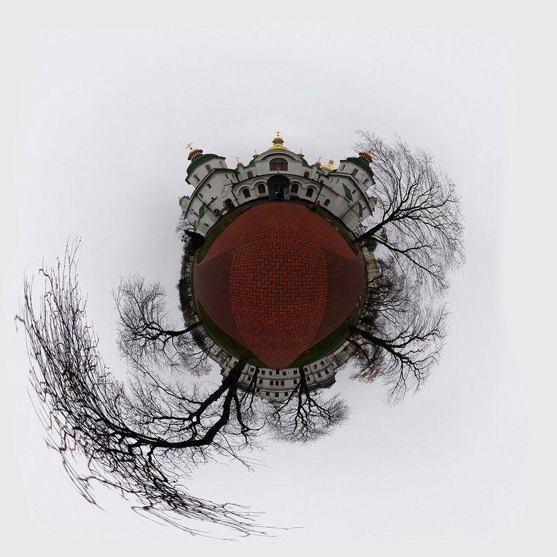 глобус, планета, сфера, сферопанорама, панорама, софийский собор, киев Глобус Софийского собораphoto preview
