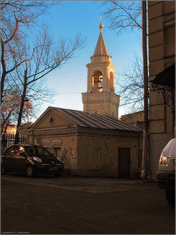 колокольня ивановский монастырь В лучах заходящего солнцаphoto preview