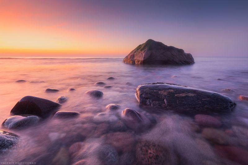 Каменистый берег Балтики.photo preview