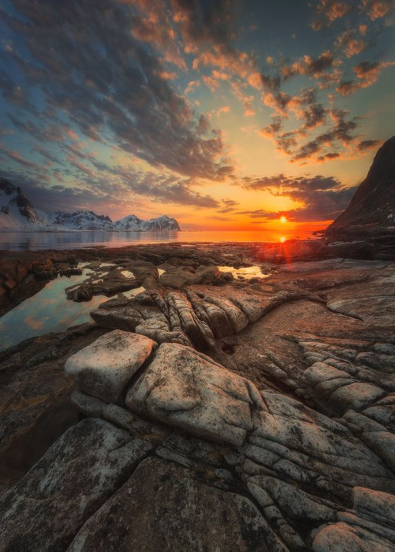 sunset, norway, north, sunrise, clouds, sky, stones, mountains, Lofoten, islands, sea, snow, sun, Lofoten sunsetphoto preview