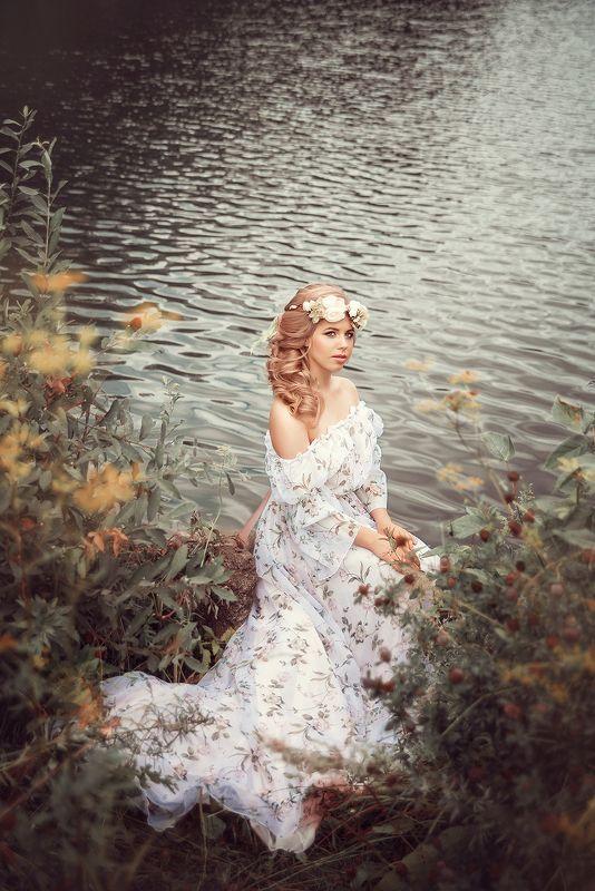 девушка, нимфа, река, лето, весна, зеленый, желтый, венок, girl, dress, spring, summer, green, yellow, river, nature, outdoor photo preview