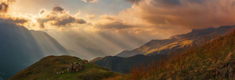 природа, пейзаж, горы, кавказ, природа россии, дикая природа, закат, свет, облака, вечер, весна, Лучиphoto preview