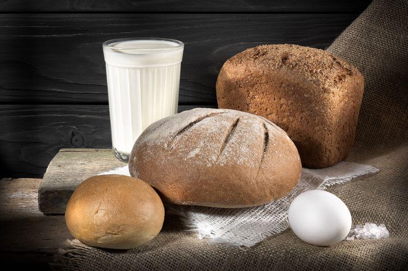 Хлеба́ налево, хлеба́ направо…photo preview