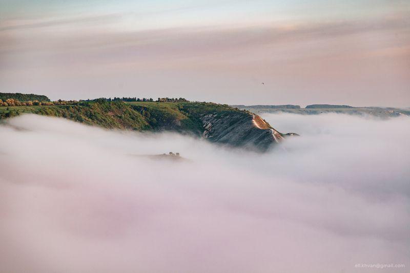 Меловые скалы в облакахphoto preview