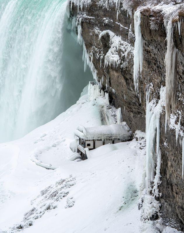 Under Niagara Fallsphoto preview