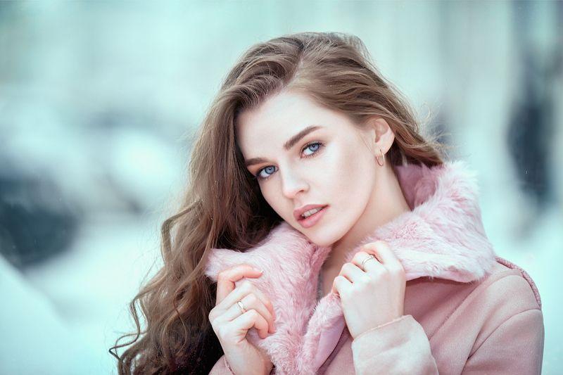 портрет,девушка,глаза,красавицы, модель,зима,улица, Марияphoto preview