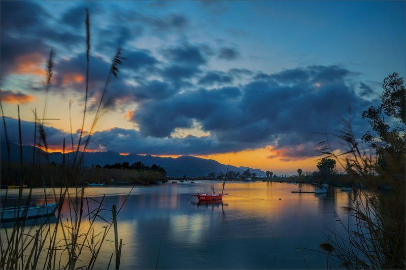 закат, небо, вода, лодки, длинная экспозиция, красный Тихий ветерphoto preview