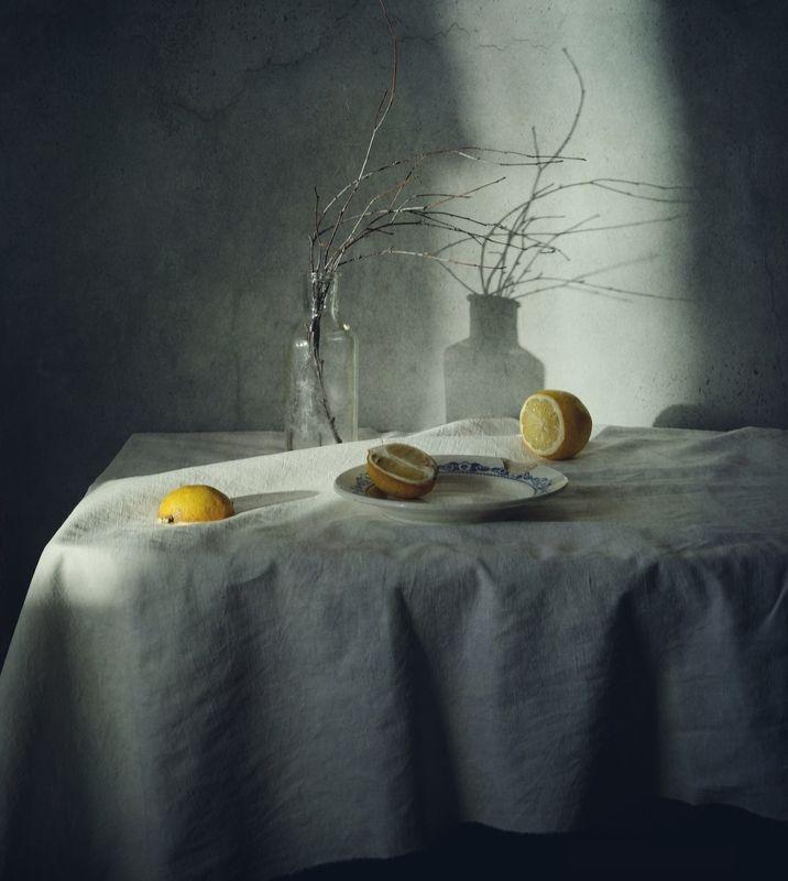 натюрморт,тени,лимон ...photo preview