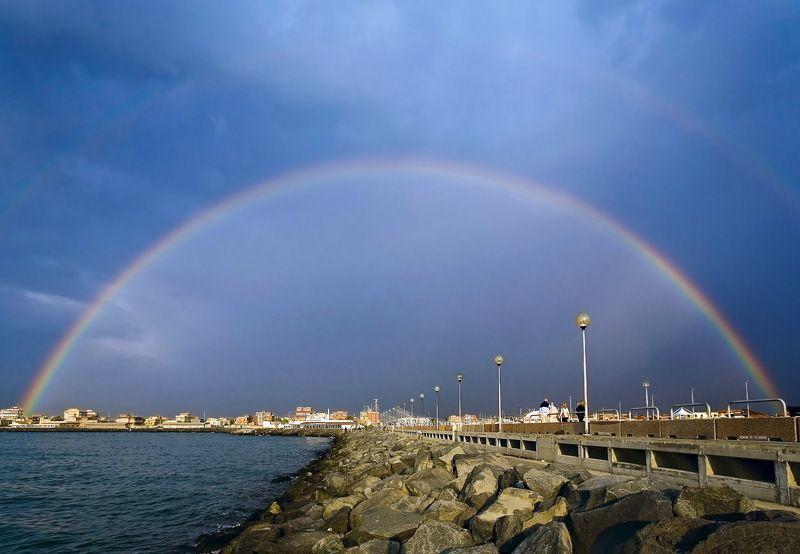 радуга, море, мол, вечер, Фьюмичино В добрый путь.photo preview