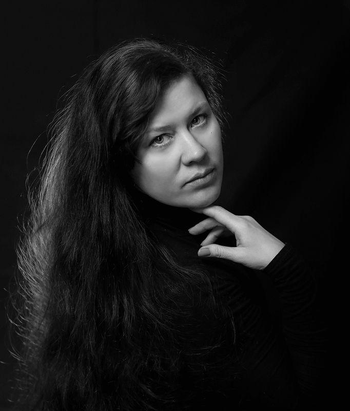 Черно-белый портретphoto preview