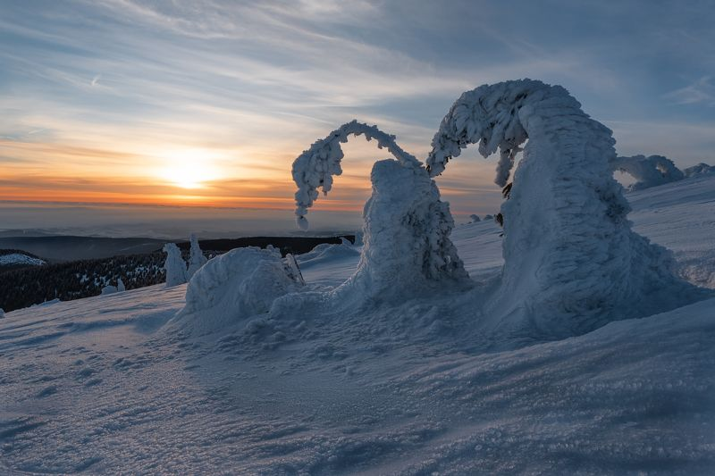 winter landscapes, dawn, sunrise, ice, mountain Ice sculpturesphoto preview