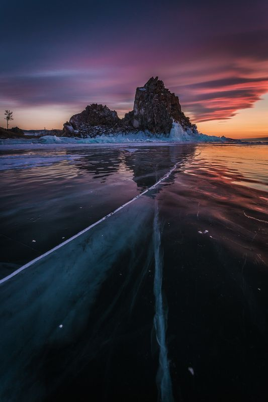 Байкал, лед, скала, горы, путешествия, пейзаж, закат, Россия Вечер на Байкальском льдуphoto preview