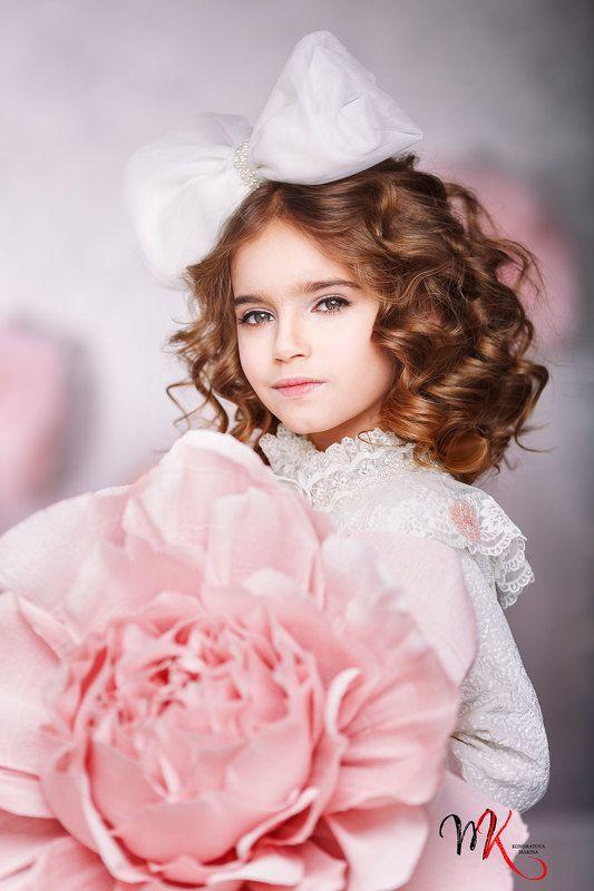 куколка, сказка, детский, девочка, сцена, образ, прическа, розовый, красота, мода, стиль Куколкаphoto preview