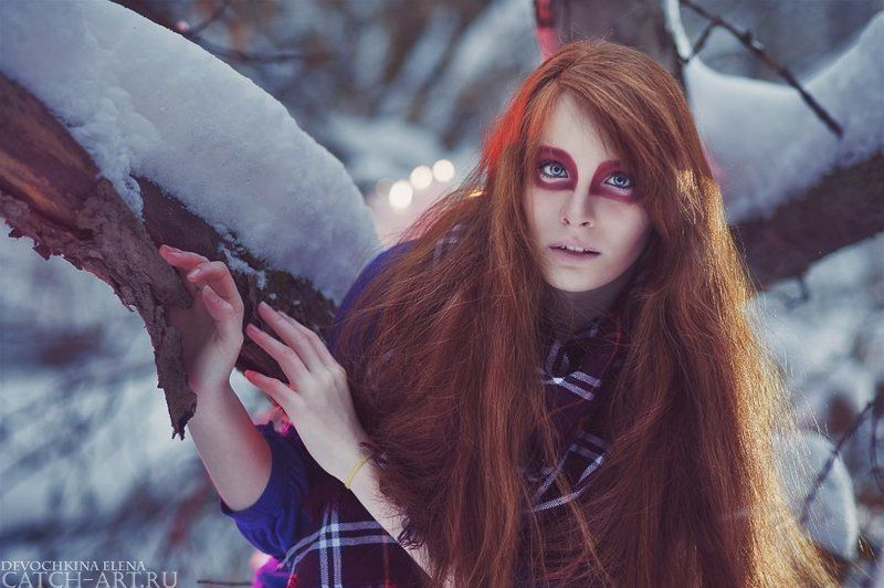 red, girl, winter, cold, wood, red-haired, stressed Sick Cycle Carouselphoto preview
