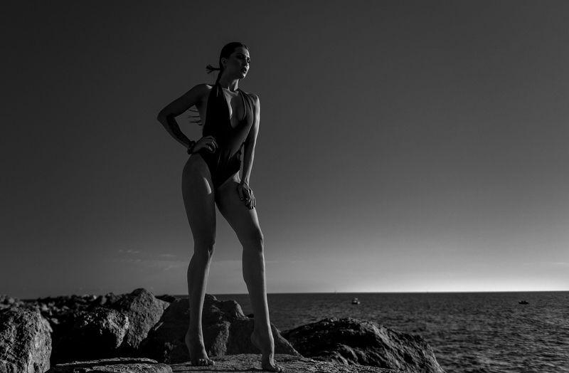 сочи, природа, девушка, закат, море, камни Futurephoto preview