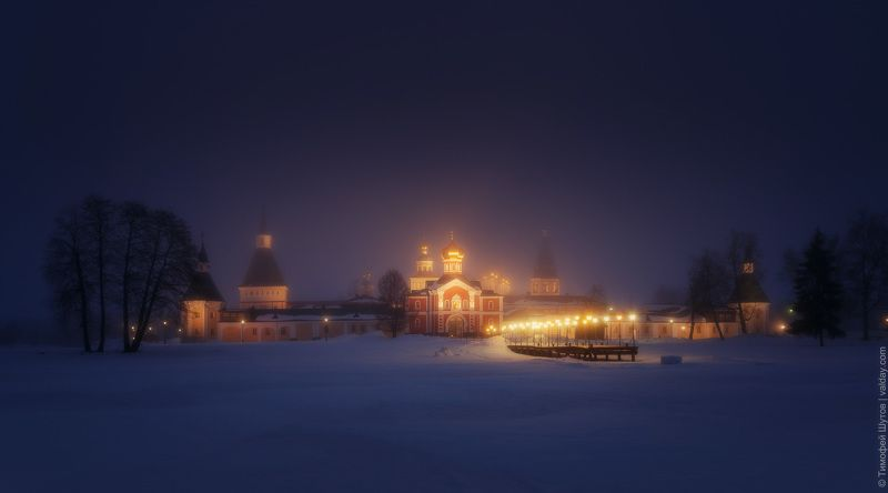 иверский монастырь, валдай Панорама ночного туманаphoto preview