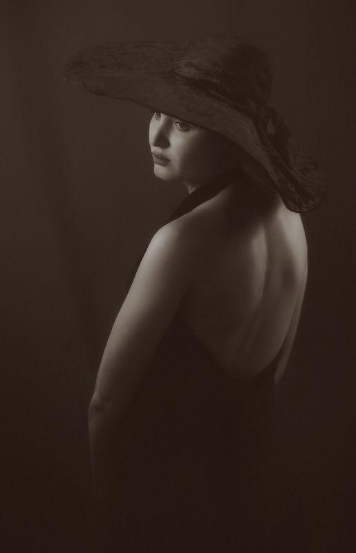Девушка  в чёрном.photo preview