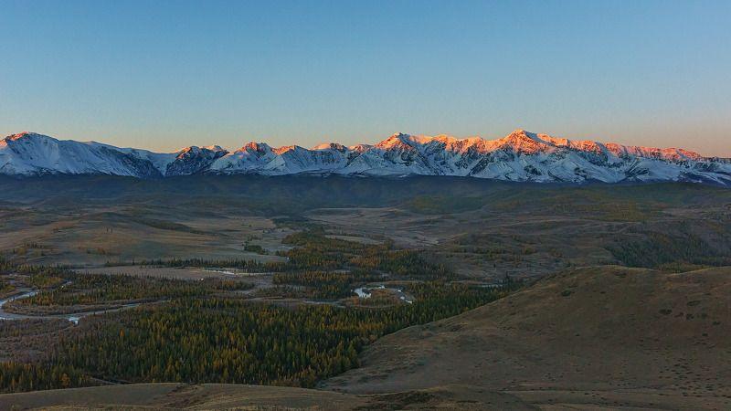 Горы, осень, Горный Алтай  На восходе. photo preview