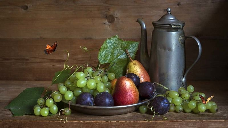 бабочки, виноград, груши,сливы, металлический кофейник Натюрморт с бабочками (вариант 2)photo preview