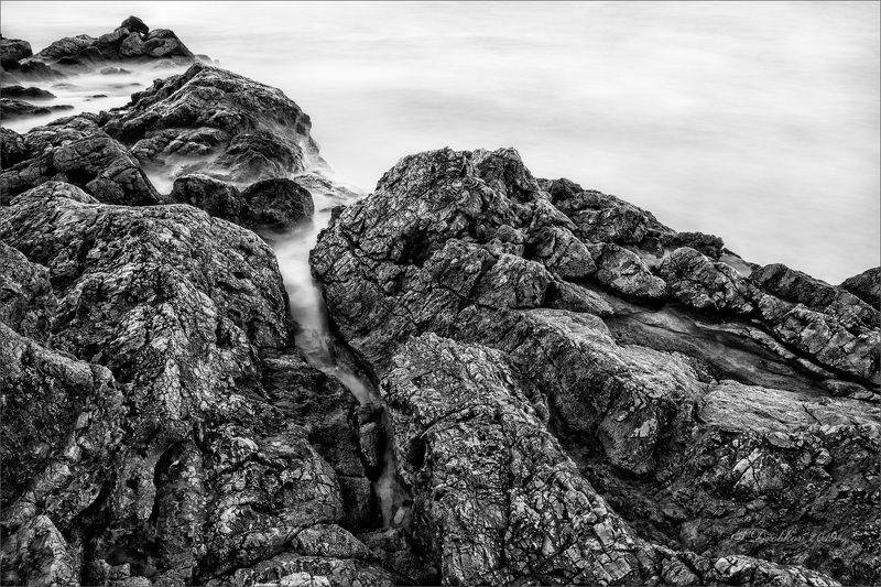 закат, зима, скалы, море, пейзаж, ч/б В поисках безмятежностиphoto preview