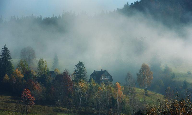горы, дом, туман Ясиняphoto preview