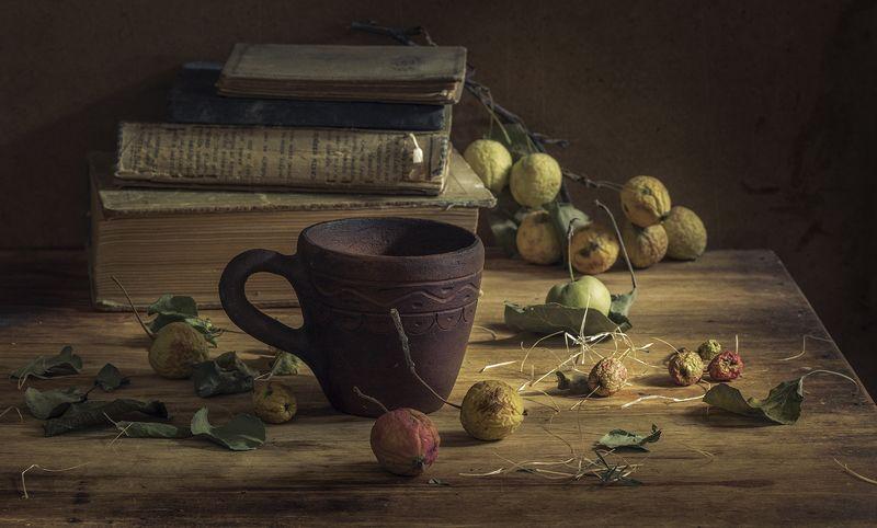 натюрморт,осень,яблоки,книги Осеньphoto preview