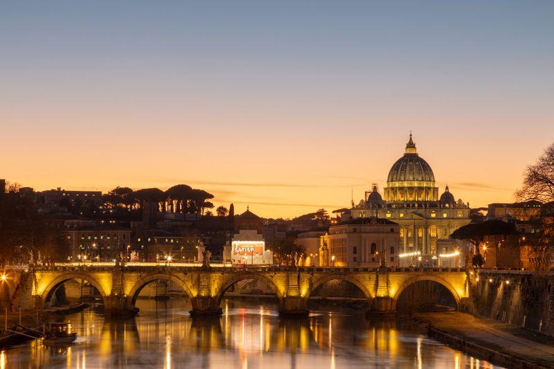 rome, italy, peter, vatican, cathedral, roma, st, basilica, рим, ватикан, собор Night view at St. Peter\'s cathedral in Rome, Italyphoto preview