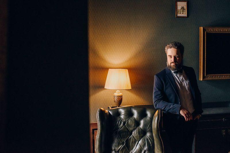 портрет мужчина свадьба В доме Смирноваphoto preview
